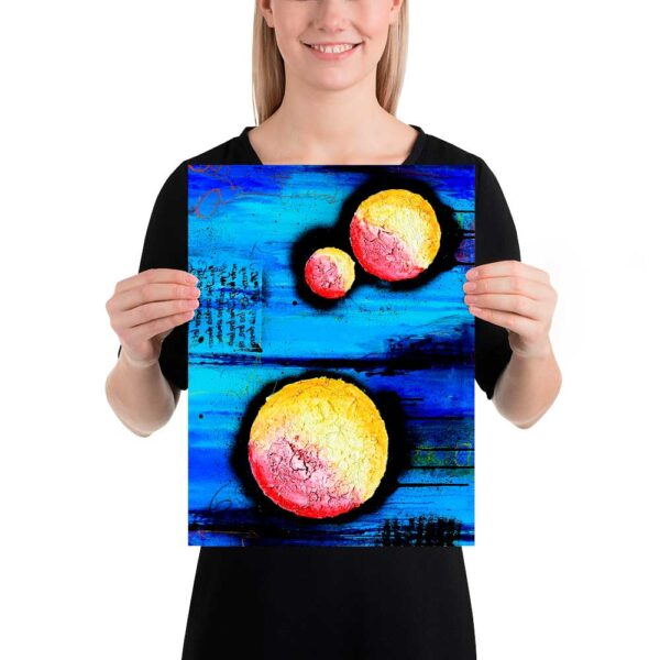 Plakater med abstrakt moderne kunst i flotte farver er flotte billeder til væggen i venteværelset hos lægen, tandlægen, frisøren eller massøren Sphere I 30x40 cm