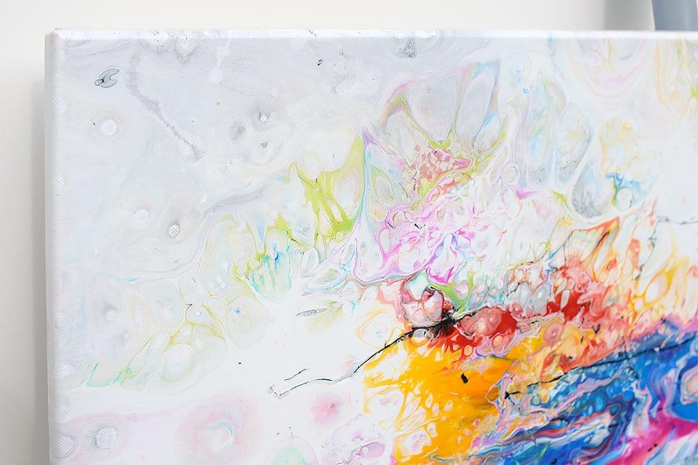 Stort akrylmaleri der passer perfekt til væggen over sofaen - Fusion II 100x100 cm