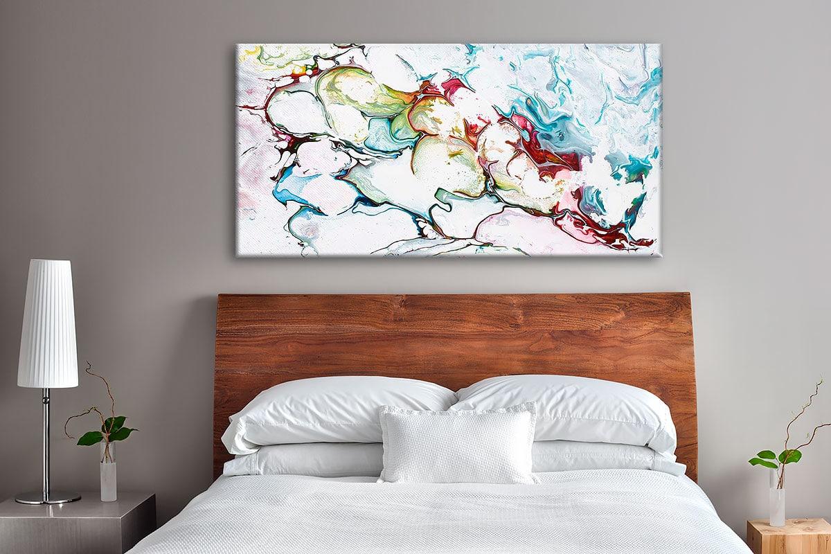 Kunst print på lærred til soveværelse med mørkere vægge