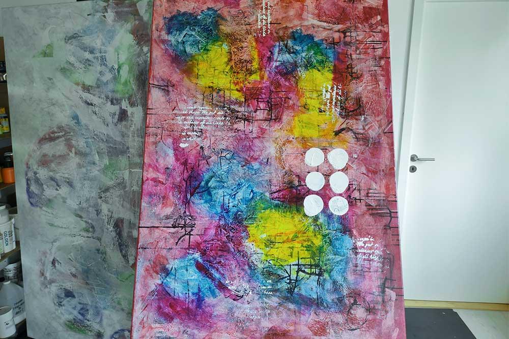 Et maleri hvor jeg har fået lagt de første lag maling på